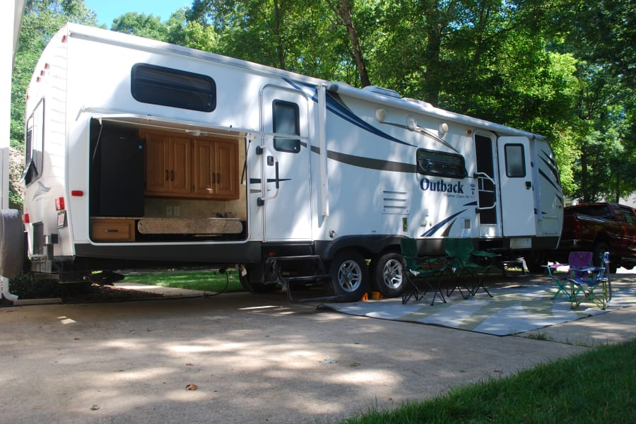 """The Jefferson"" 2013 Outback Bunkhouse"