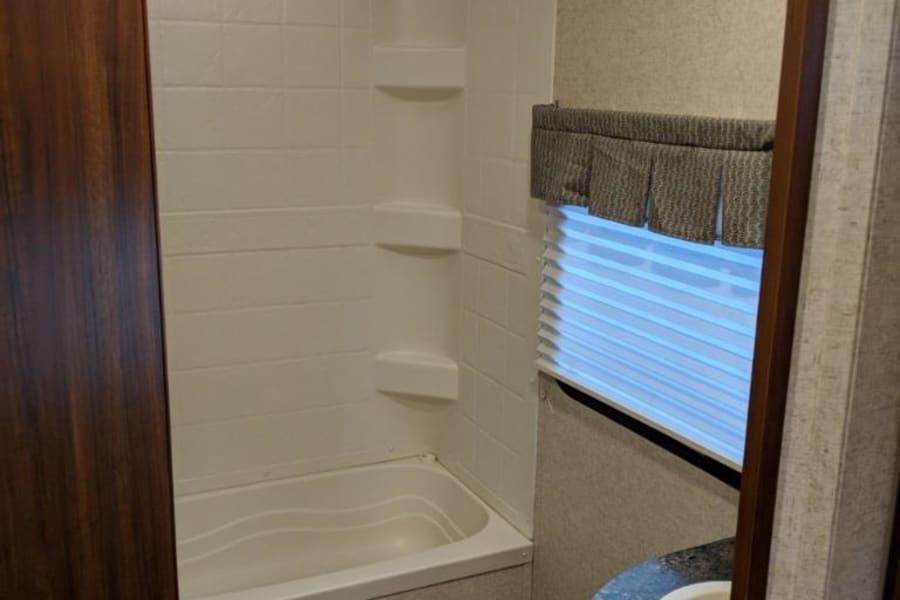 Bathroom / TUB very spacious