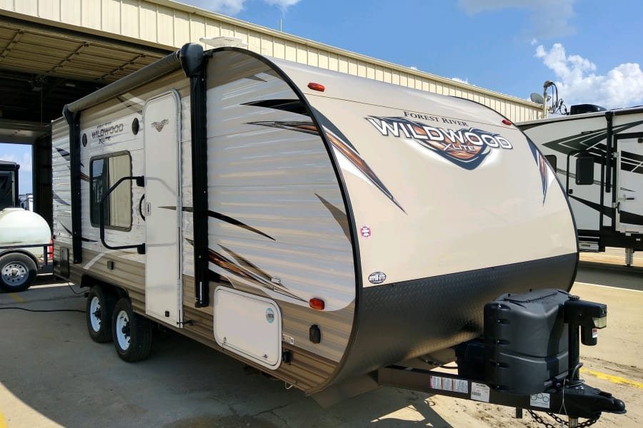 Great camper! Small but still has dual axel for easy and stable pulling. Easily pull behind a SUV Or 1/2 ton.