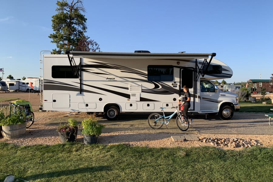 Perfect size for a big family or just a couples get away, our Jayco RV is fun to drive, and has many upgrades that will make your trip comfy and fun.