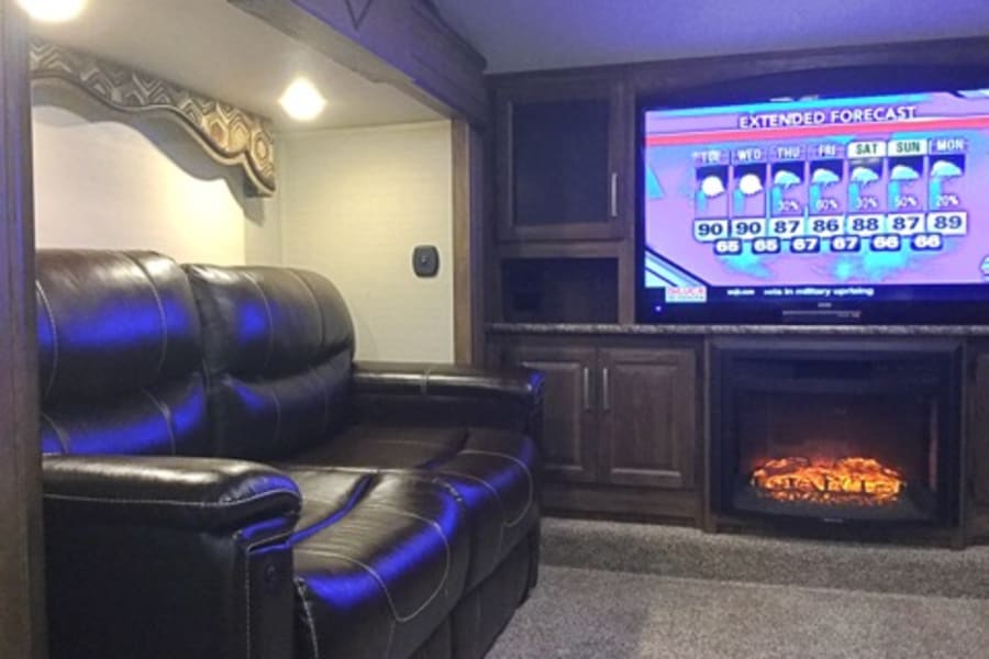The living room offers plenty of entertainment options. Big screen TV, radio and DVD player.  We supply kids and family oriented movies as well as popular board games to keep everyone busy.