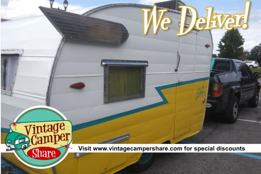 This rare 1963 vintage Shasta Compact rarely gets put up for rent! Enjoy this and the 6 other vintage campers - as well as great package deals - at www.vintagecampershare.com