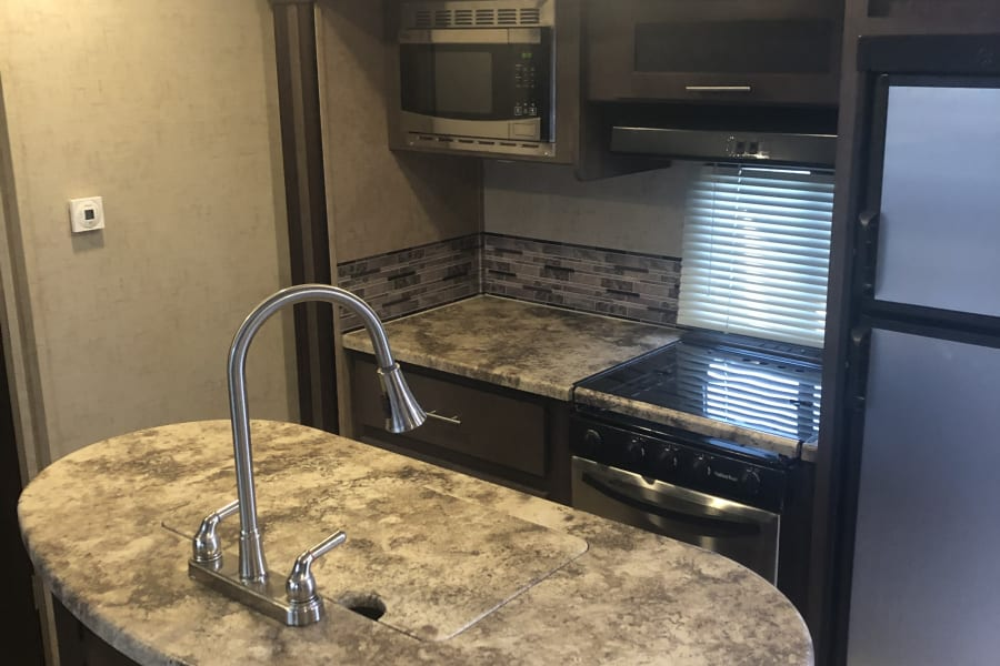 Stove sink microwave