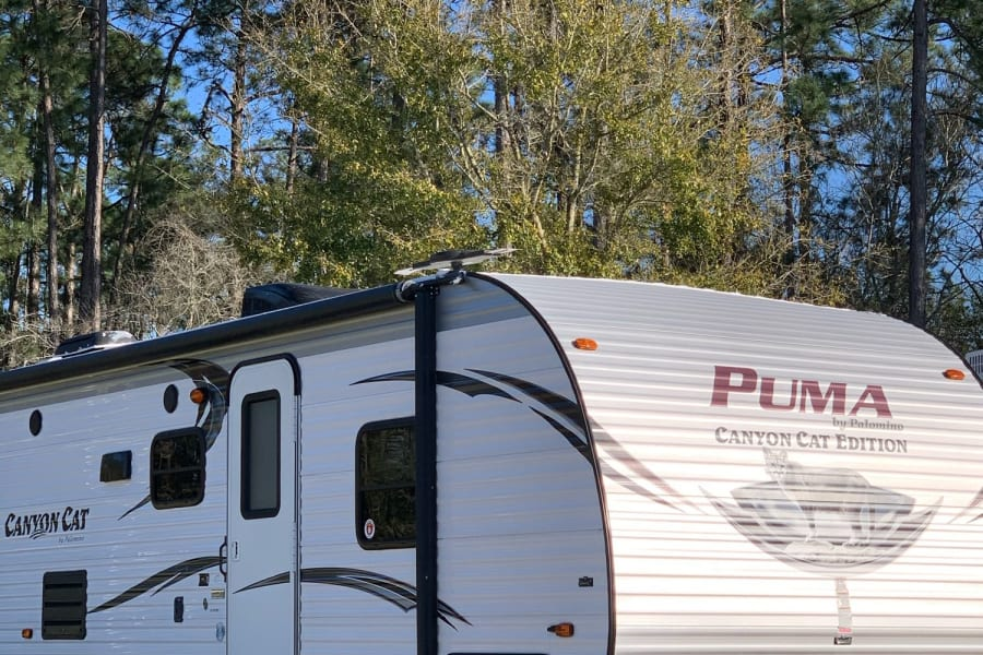 "Your home on wheels. Sleeps 9 and we have this baby we call ""Lucy"" equipped with all of the comforts of home!"