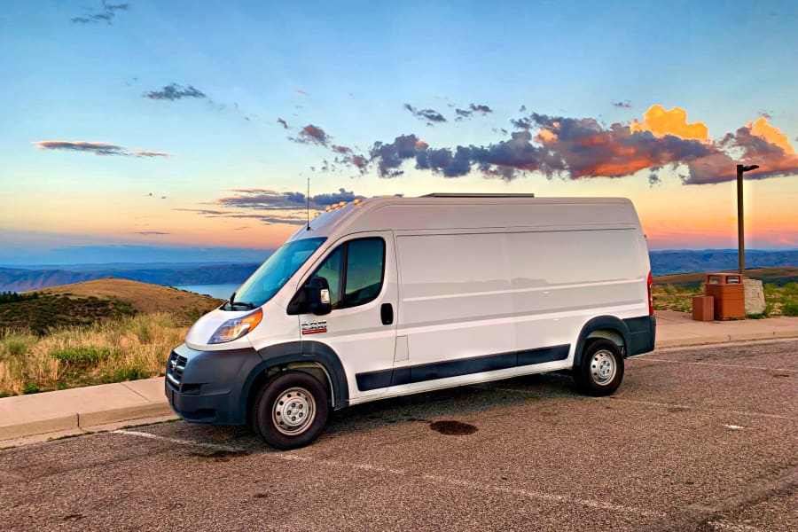 Large Ram Promaster tall enough for all women... and some men! Solar equipped!