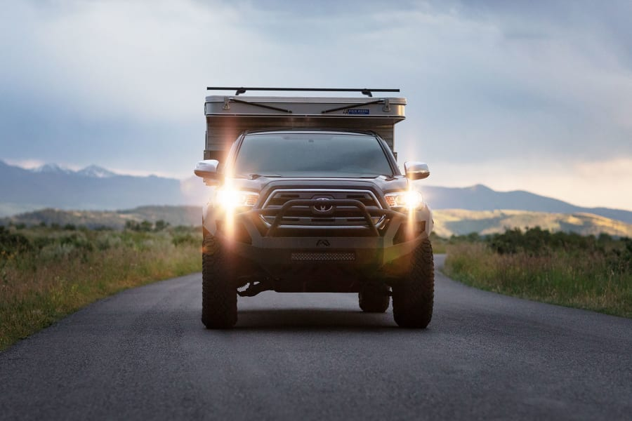 With the camper only weighing 900lb the truck drives smoothly on and off-road