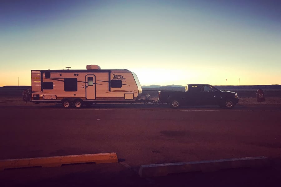 Took a snap with sunset! Beautiful evening driving with Jayco.
