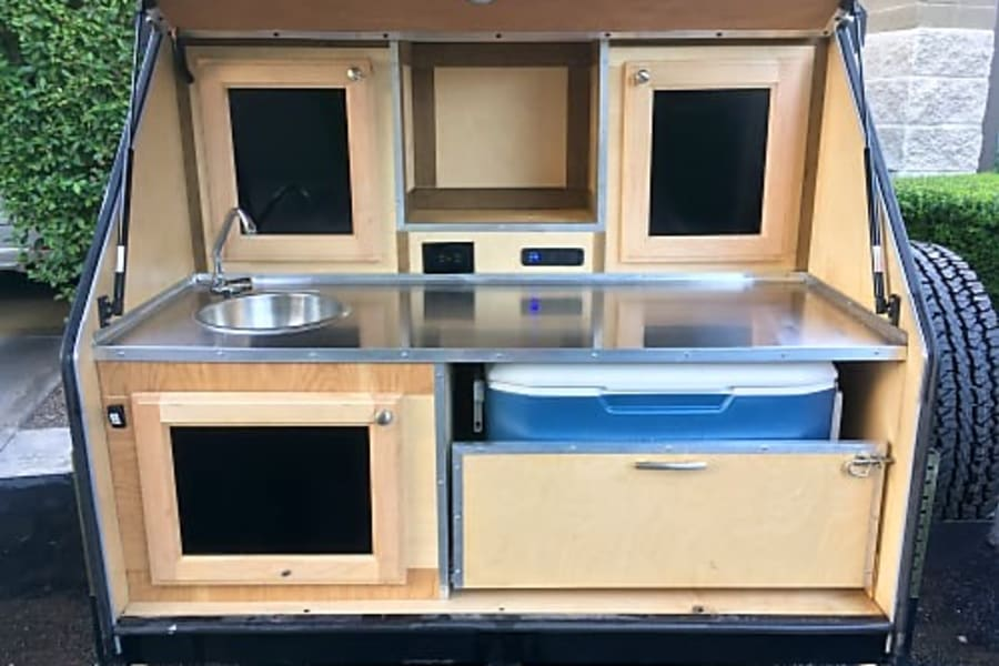 Kitchen Galley w/ Sink & Cooler