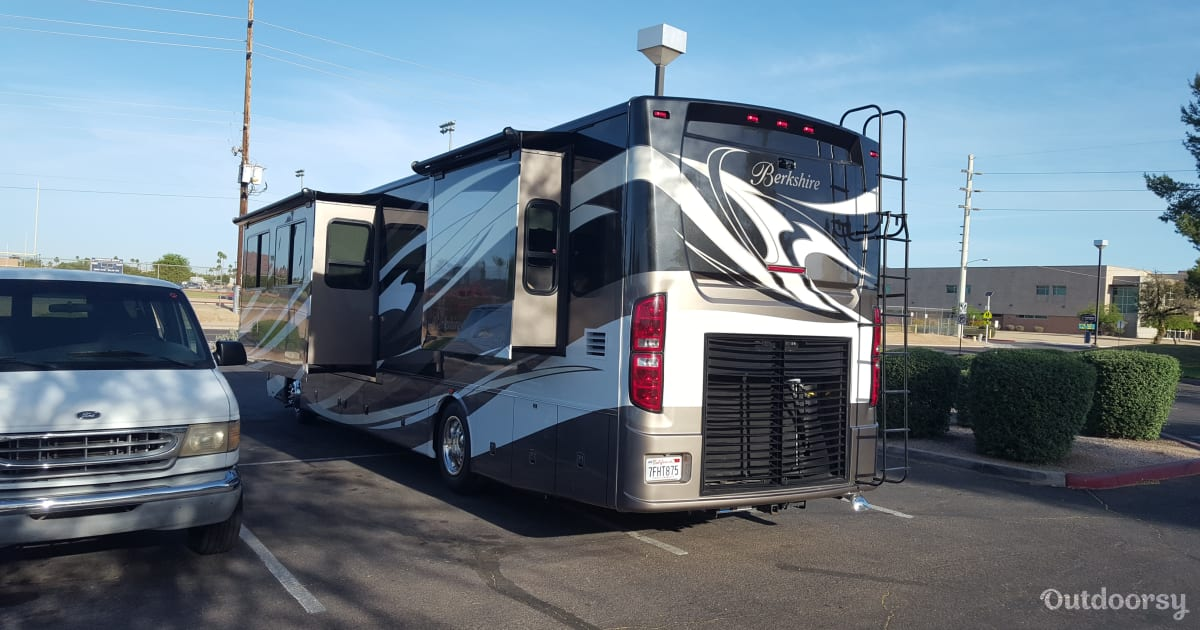 2013 Forest River Berkshire Motor Home Class A Rental In