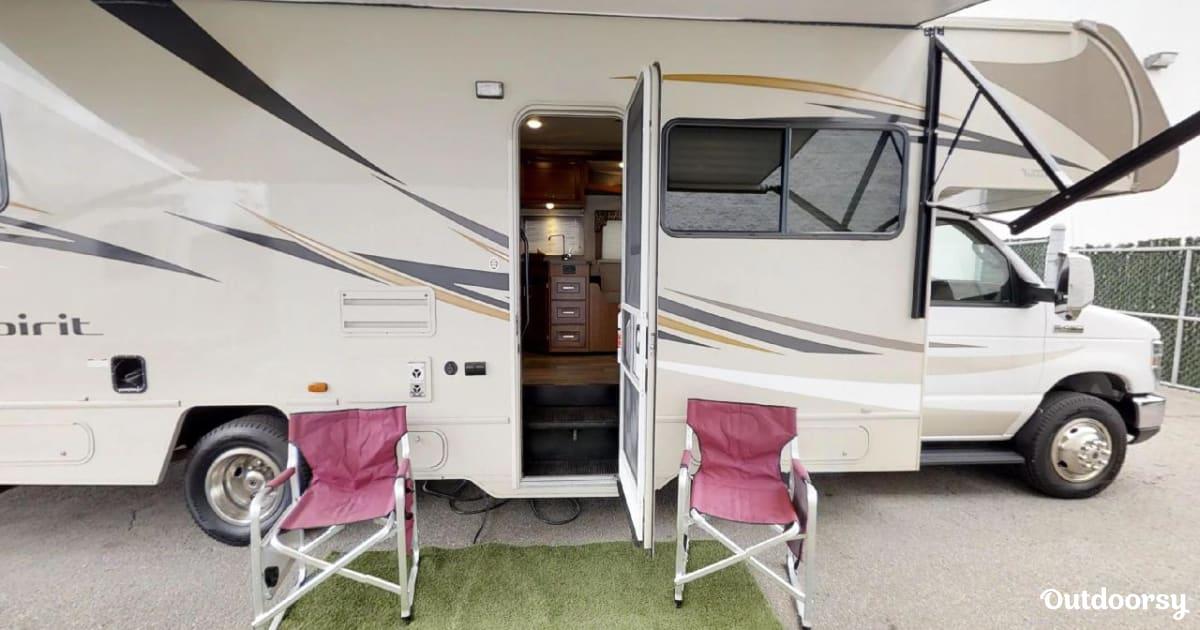 2019 Winnebago Spirit 31g Motor Home Class C Rental In