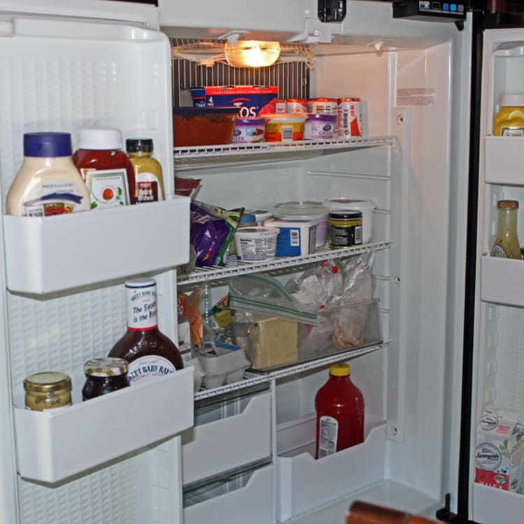 KKOACH 12 cuFt. Fridge w/ ice-maker...fits 2 gallons of milk!