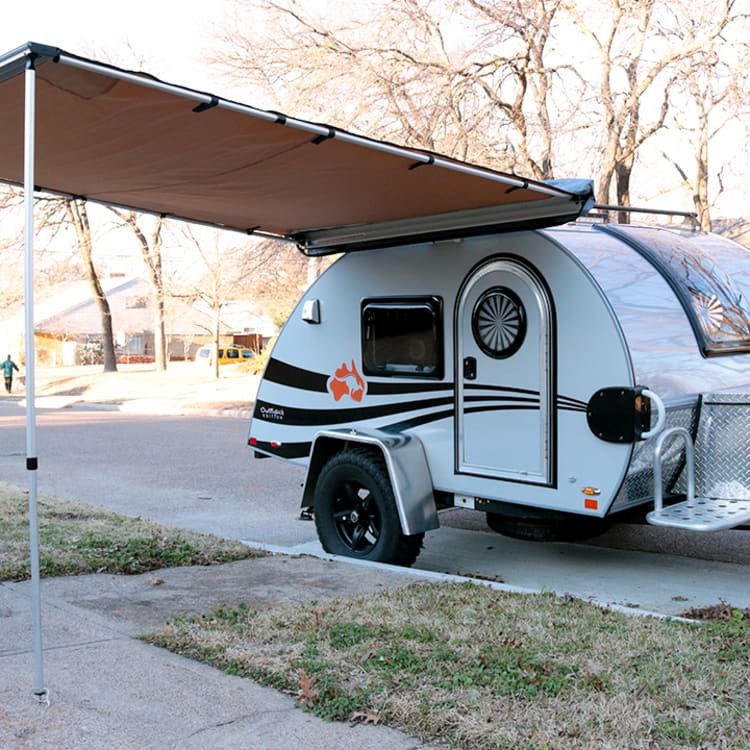 The included awning provides great cover from the sun or rain, and is easily set up in about 5 mins.