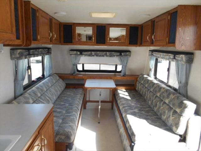 Front Gouchos - Convert to California King Bed. Nash M-22G 1999