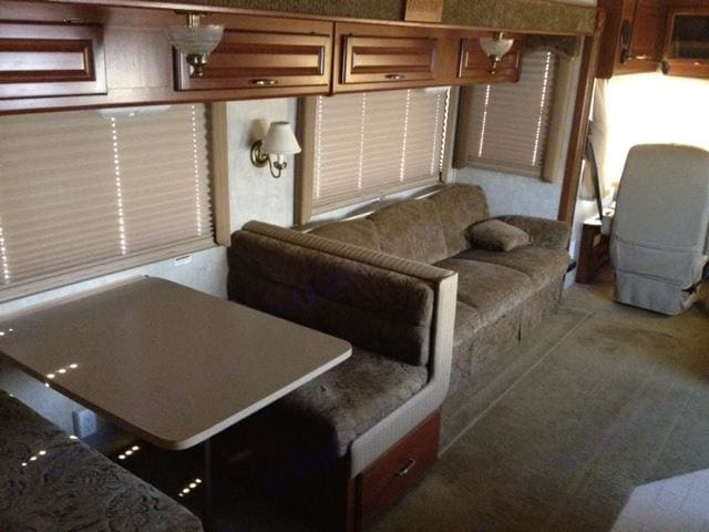 Dinette - Double Bed. Fleetwood Bounder 2005