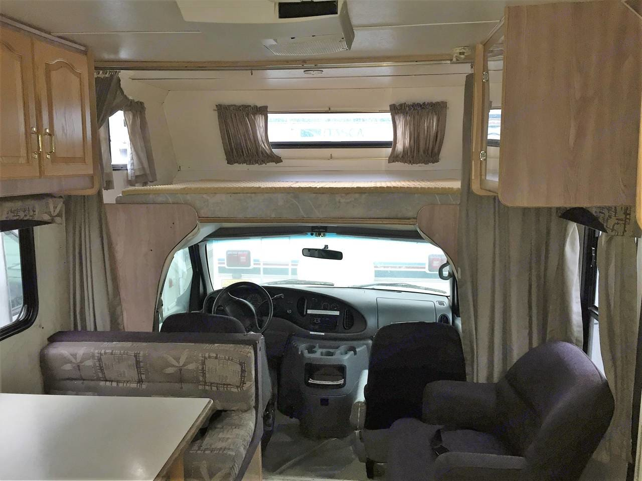 Interior facing forwards. Forest River Sunseeker 2003