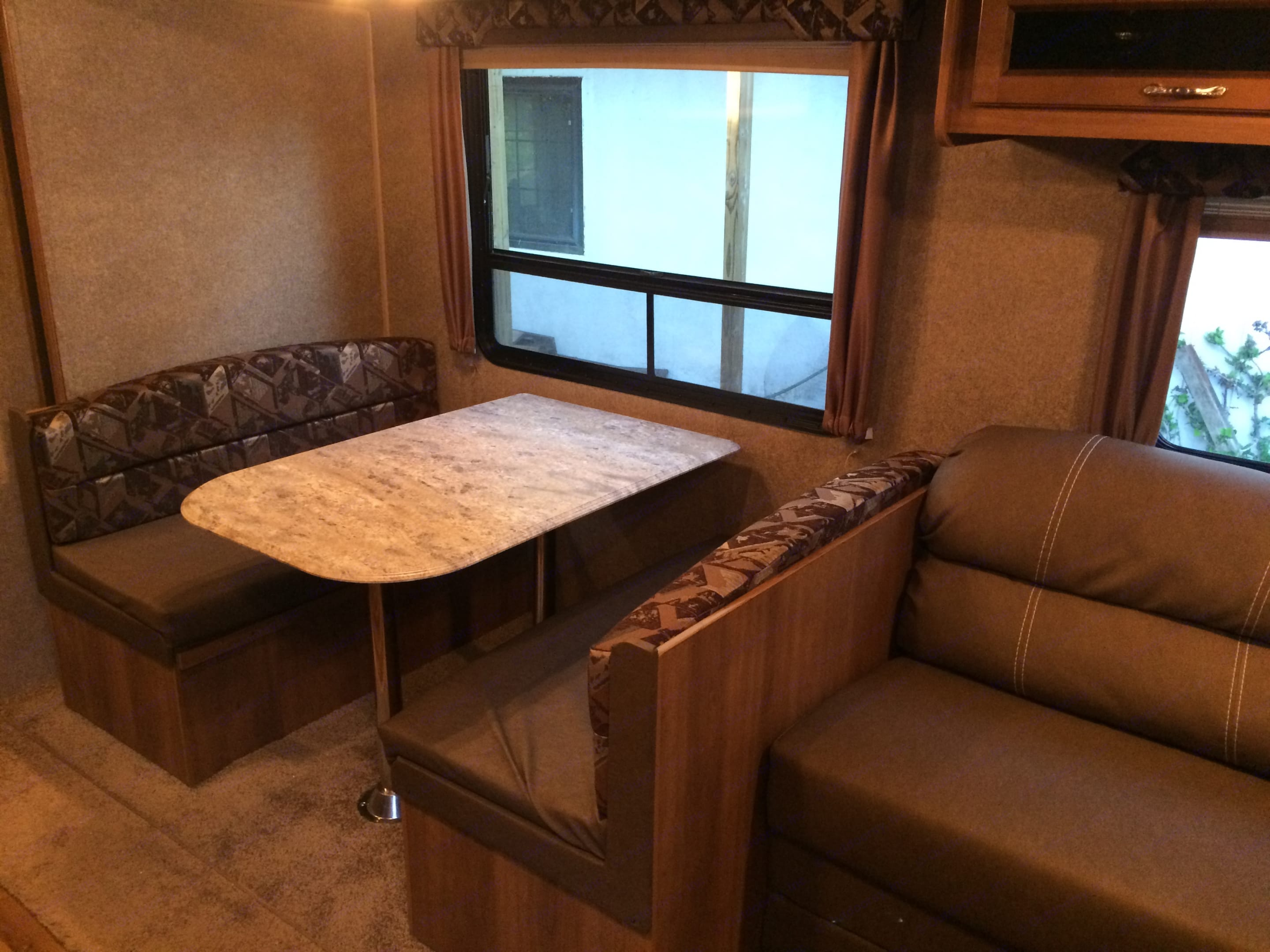 Dining Table that folds into a bed. Coachmen Catalina SBX 2016