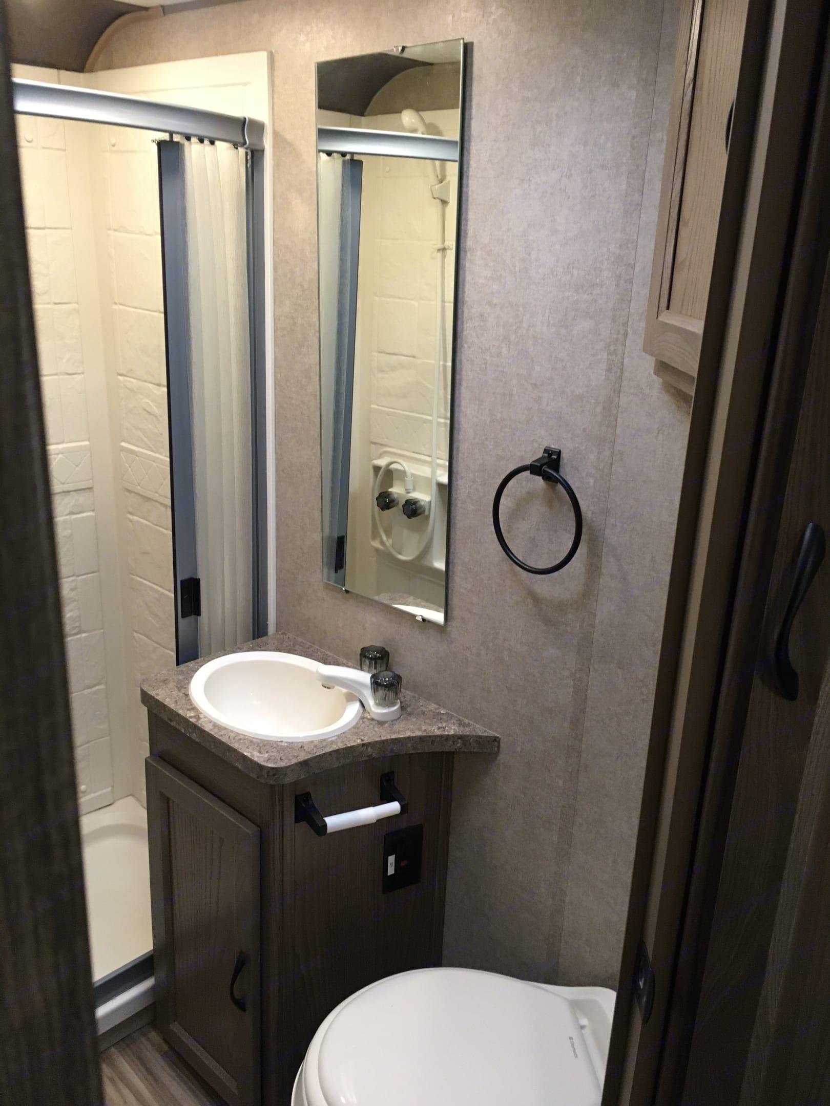 Very spacious bathroom.. Coachmen Freelander 2017