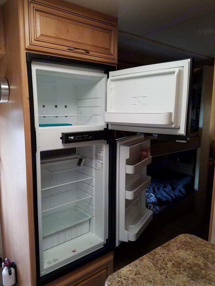 Large fridge and freezer. Thor Motor Coach Chateau 2011