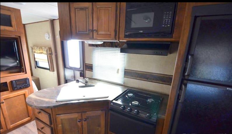 Indoor kitchen. Keystone Sprinter 2013