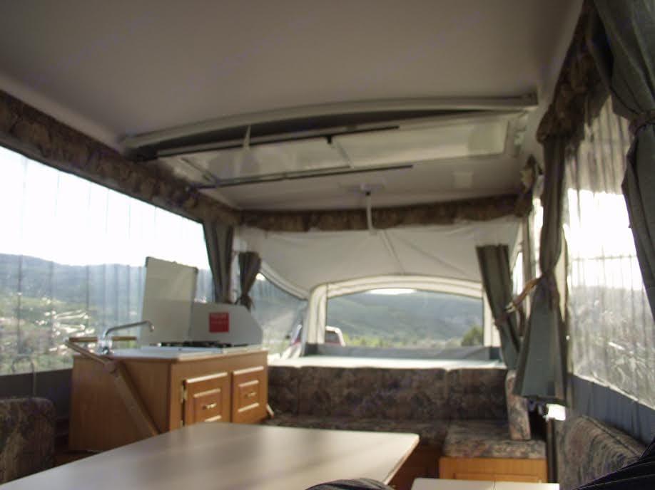 Interior. Coleman Pop Up 2002