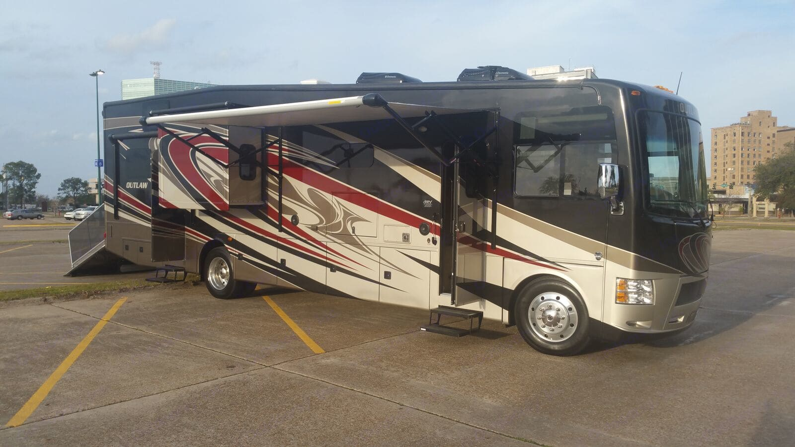 There she is... ain't she a bute?! . Thor Motor Coach Outlaw 2016