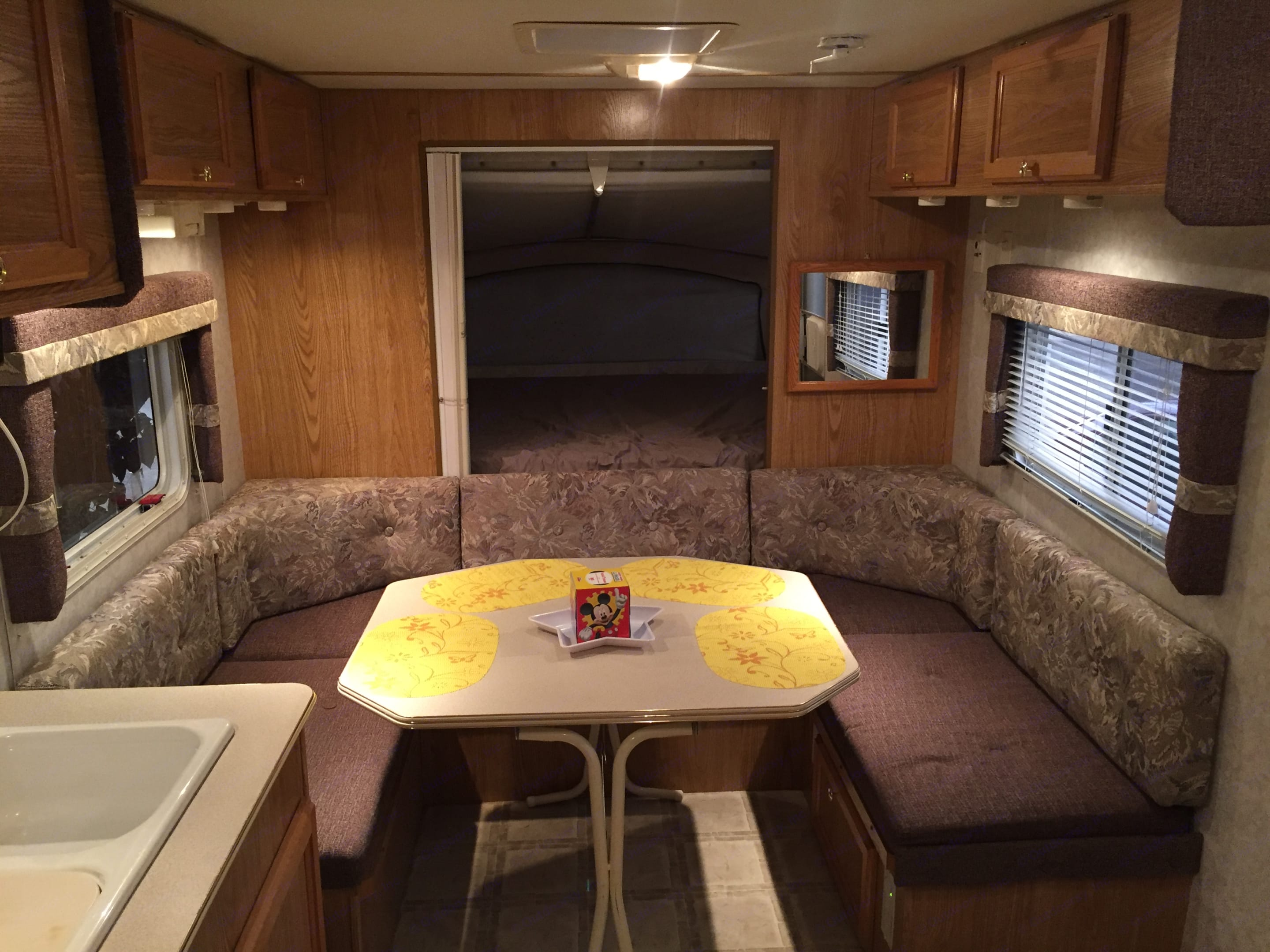 Dinette and queen bed area. Thor Motor Coach Tahoe 2004