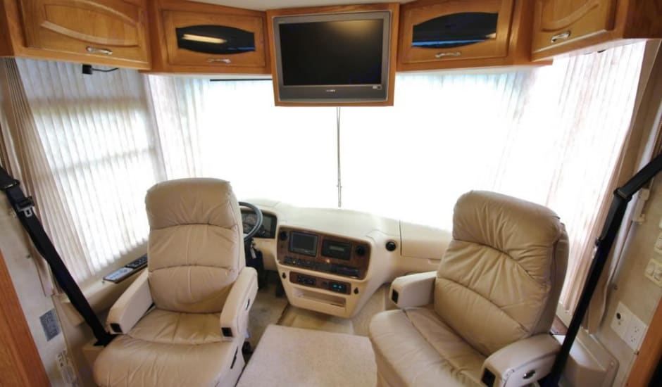 Front cabin with leather swivel chairs.. Newmar Mountain Aire 2007