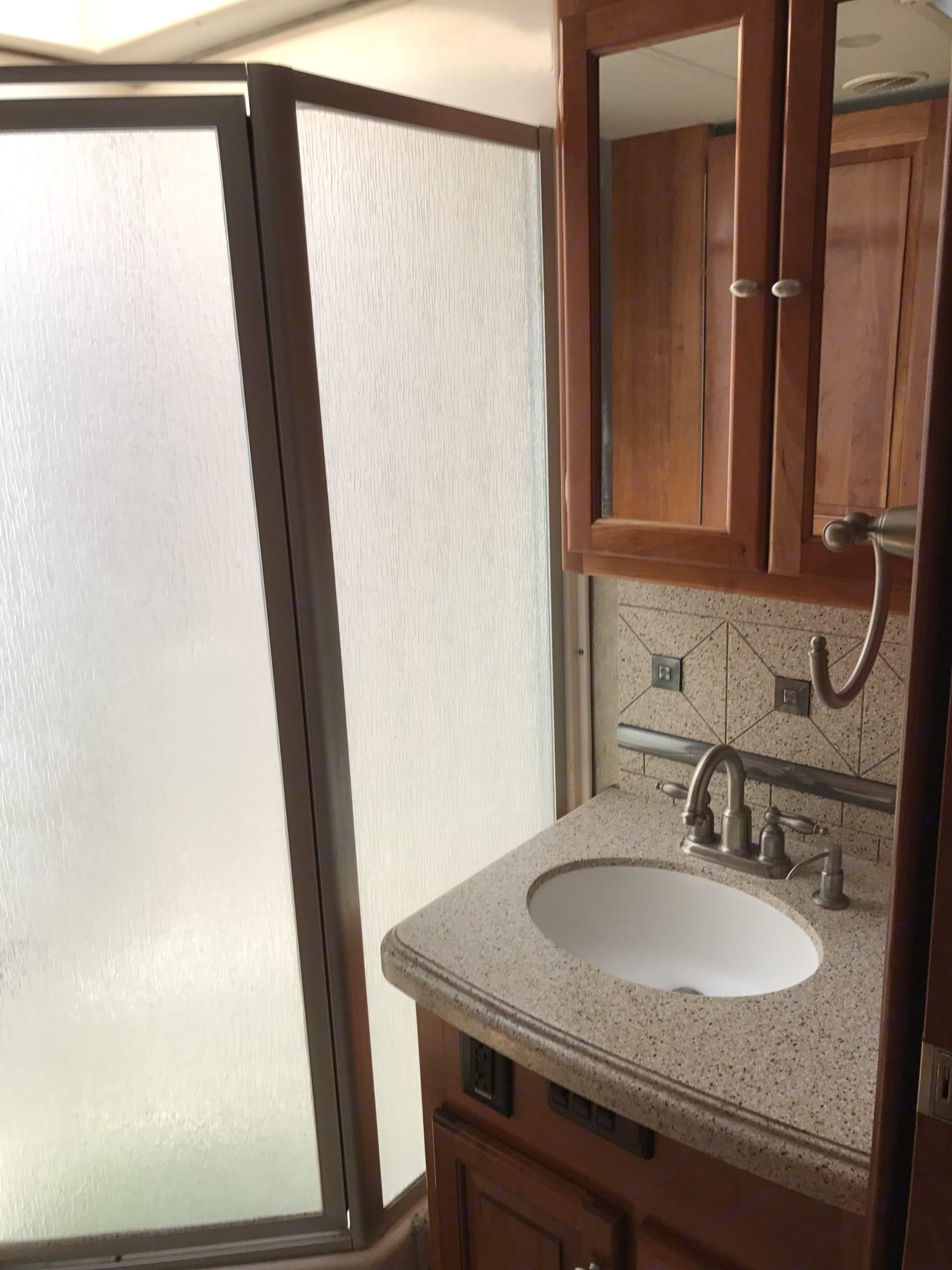 sink and shower. Tiffin Motorhomes Allegro Bus 2008