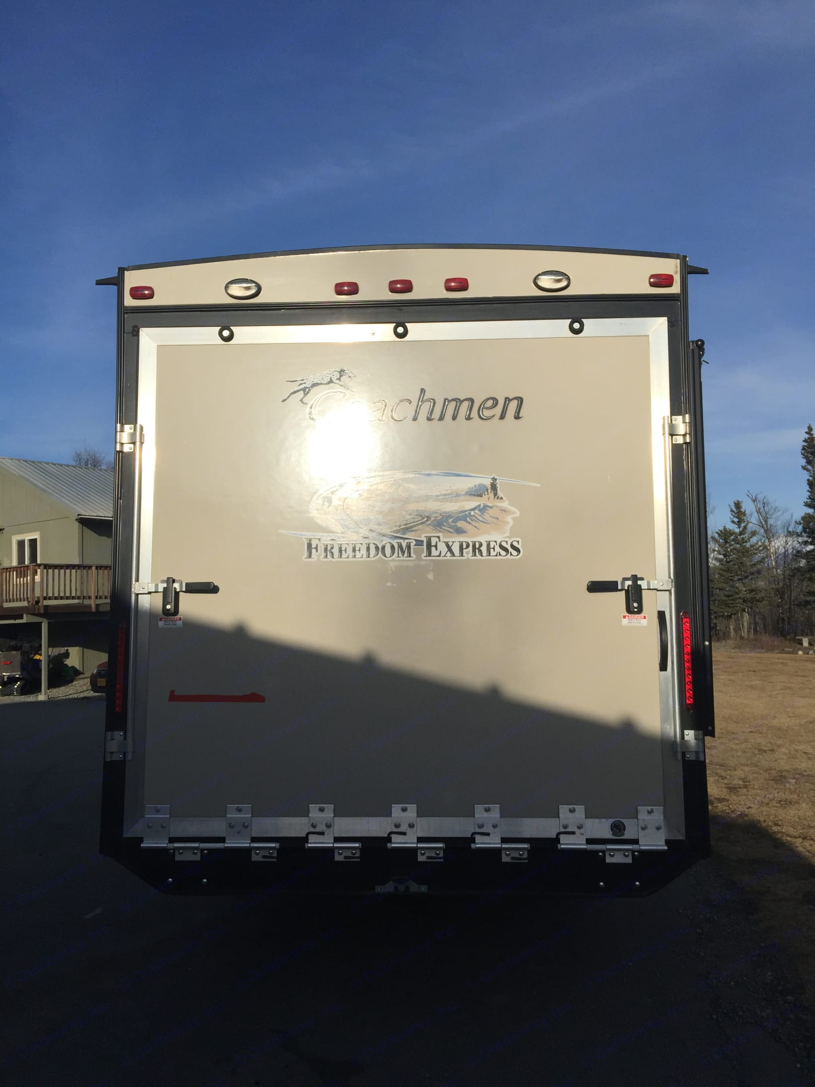 Coachmen Freedom Express 2015