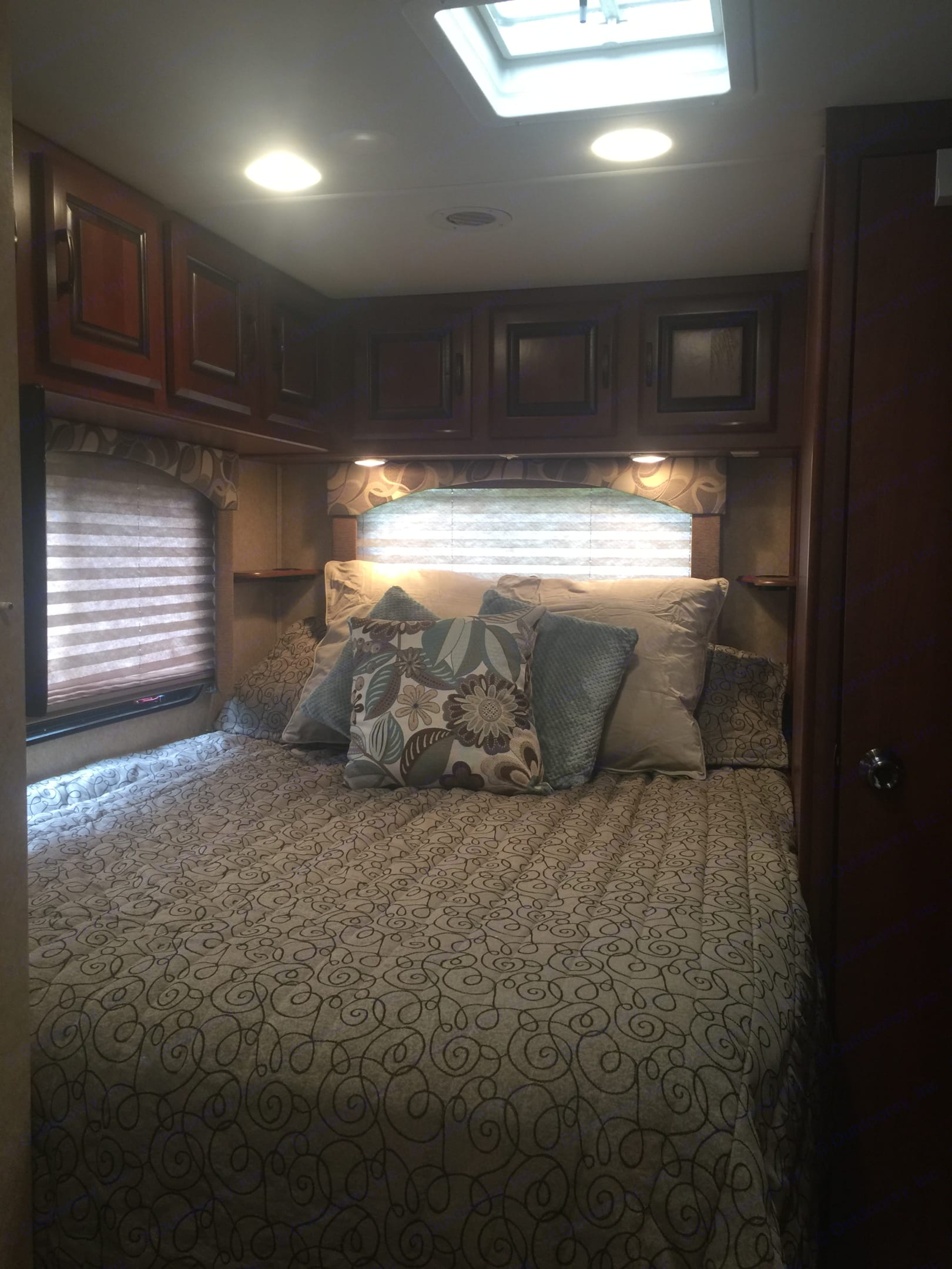 Queen size master bed with comfy residential mattress.. Forest River Forester 2012