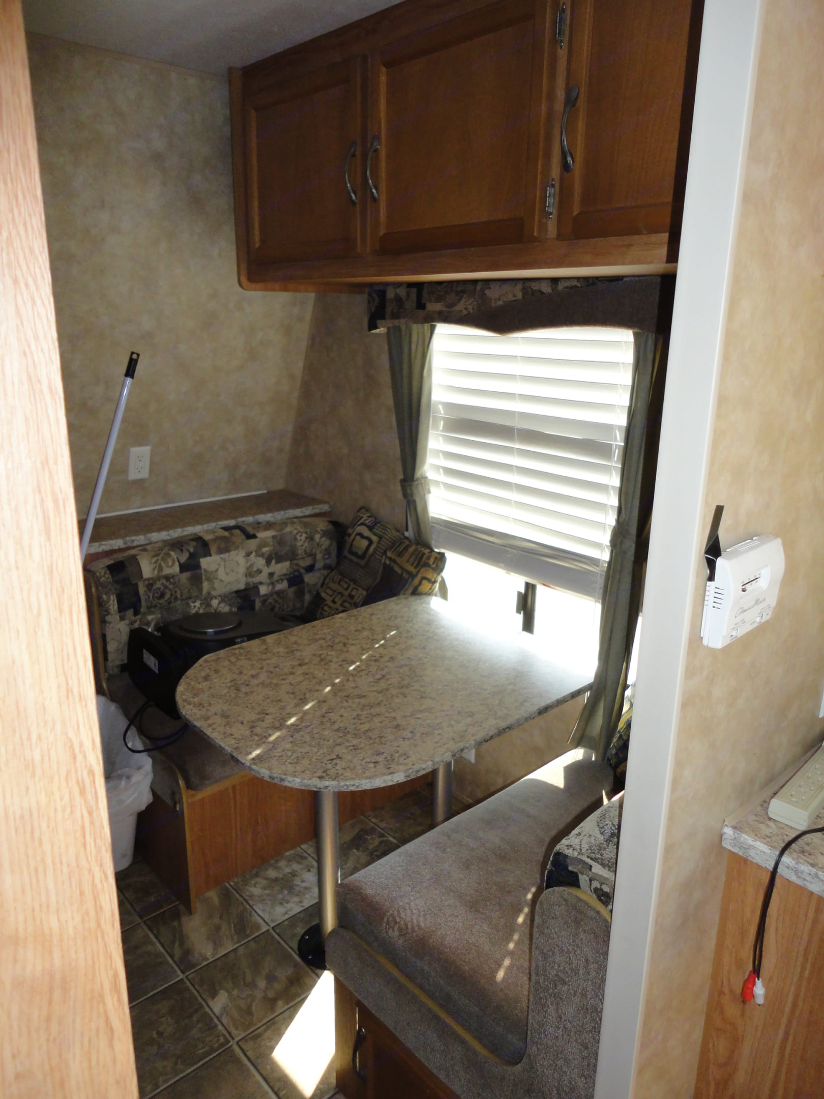 Bunk room dining or play area that converts into bed.  . Jayco Jay Flight 2009