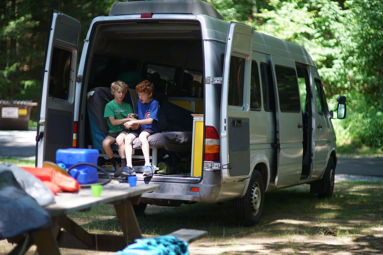 Dodge Sprinter Van 2004