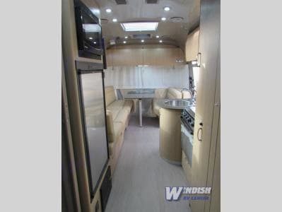 Airstream Flying Cloud 23 2017