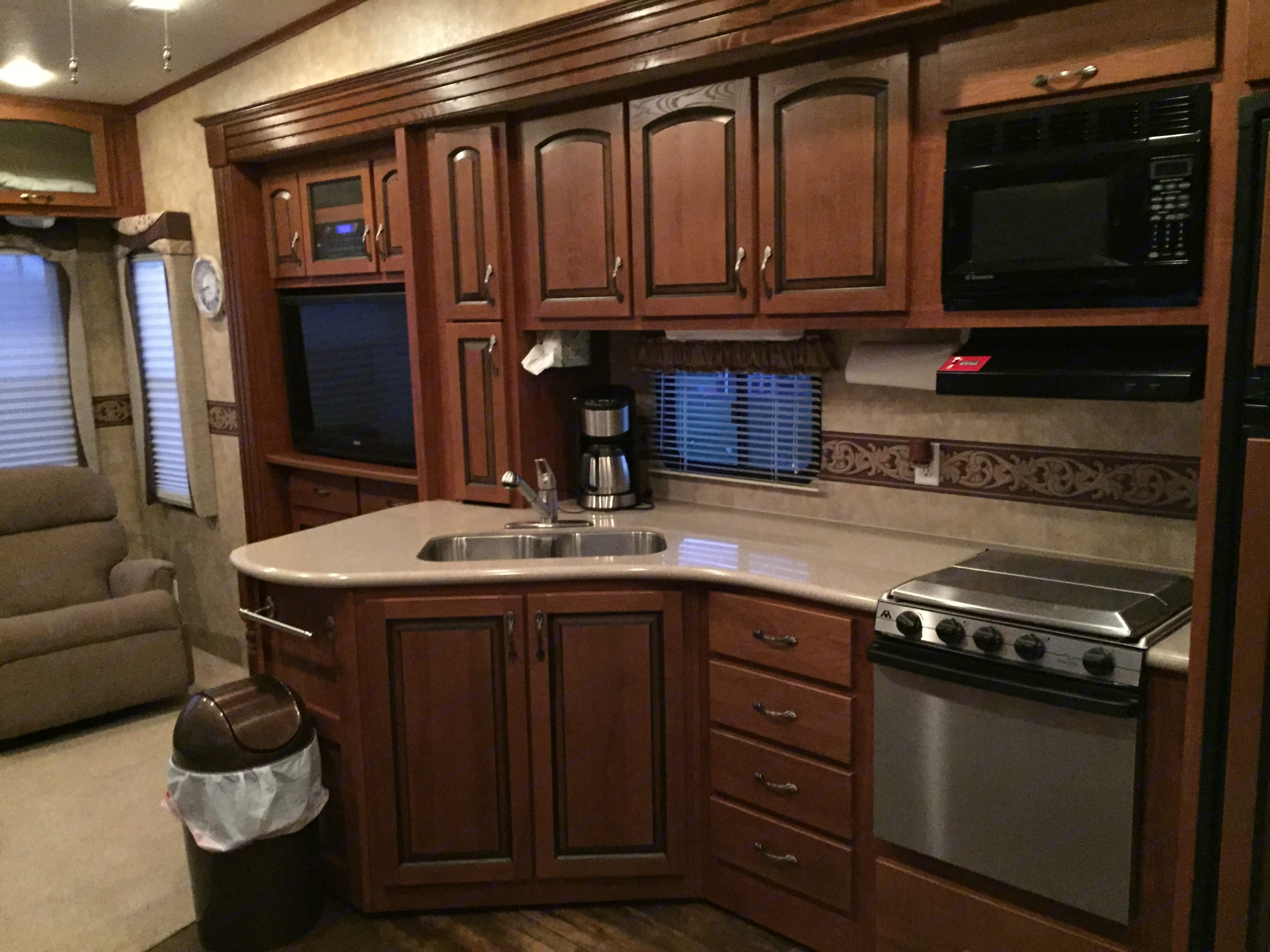 You will love the deep sinks and spacious kitchen when cooking for your  crew.. Jayco Eagle 2010