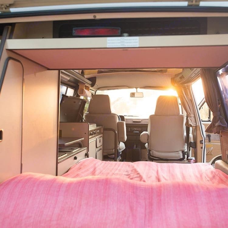 Let the sun shine through!   Or don't, theres curtains for that;). Volkswagen Vanagon/Westfalia 1986