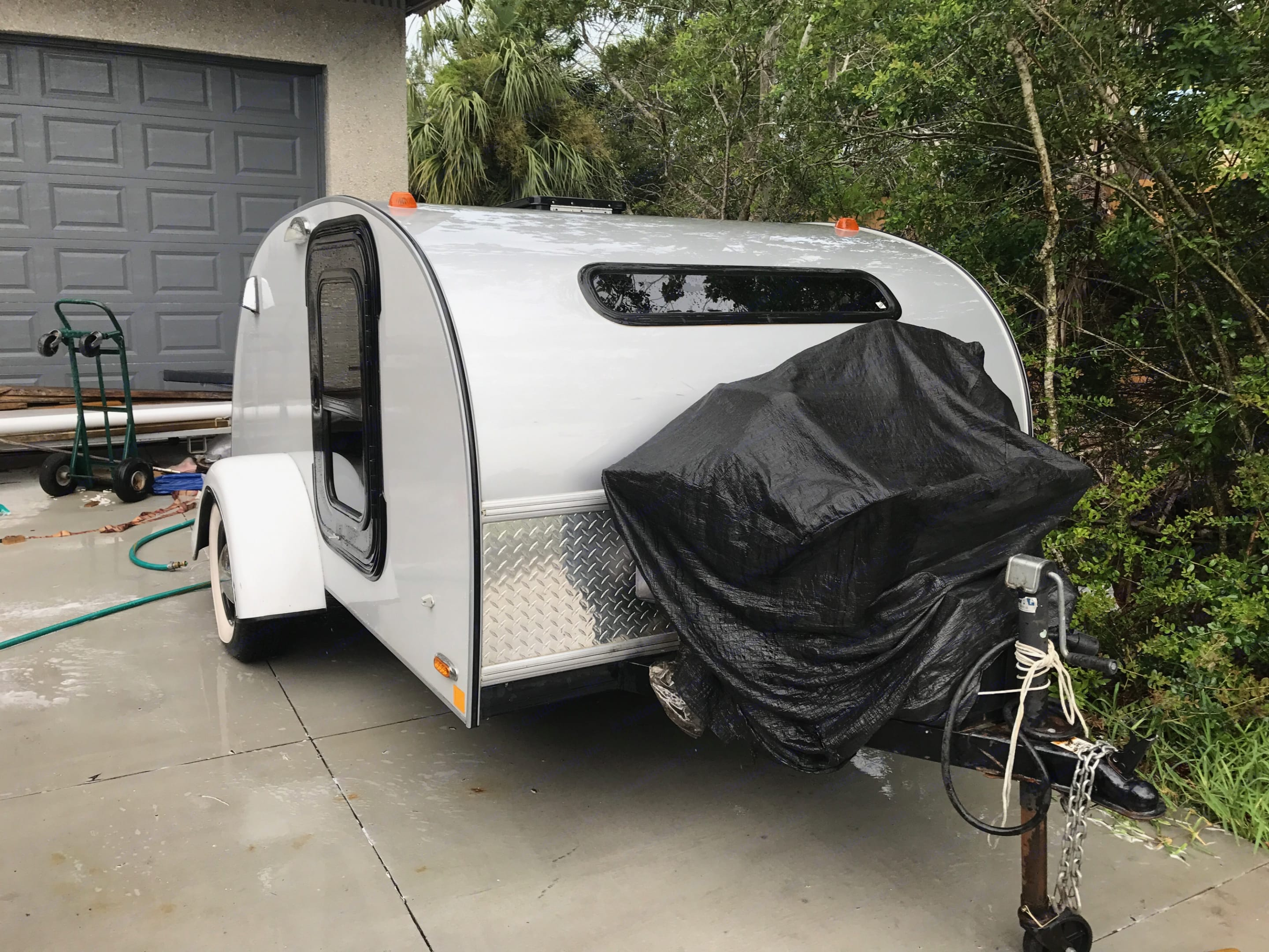 Front View with Additional Storage area. Little Guy Silver Shadow 2015