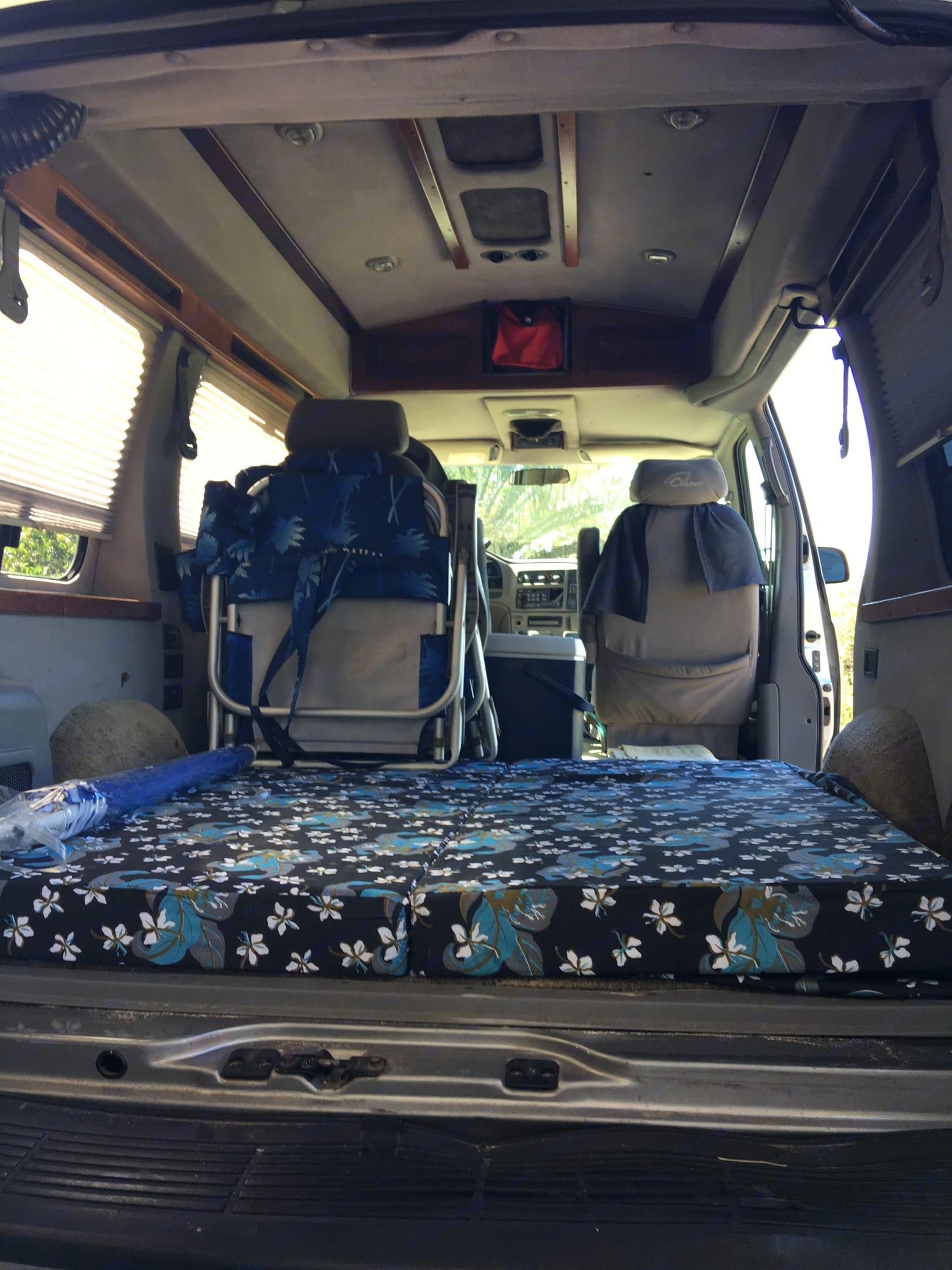 Lots of headroom. Chevrolet Astro Van 2003