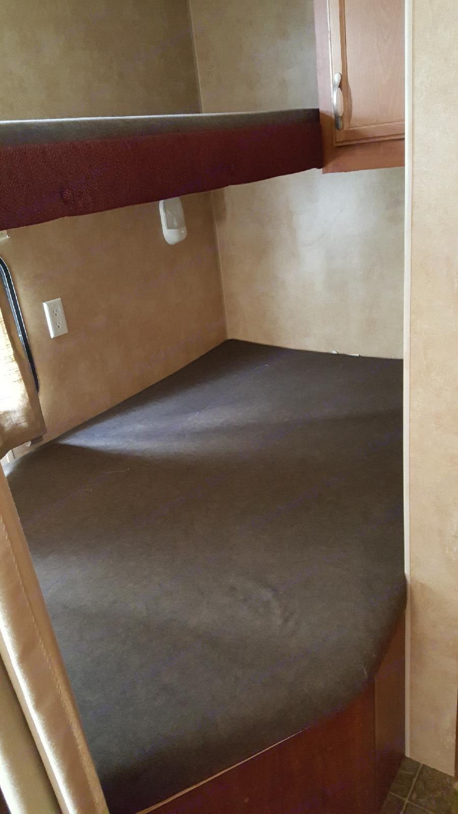 Bottom full size bunk. Jayco Jay Flight 2011
