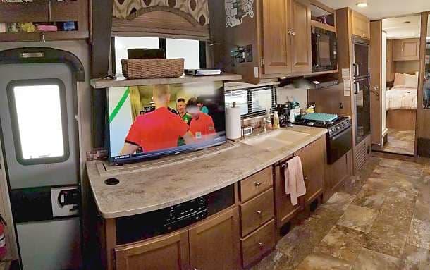Smart Samsung 4K TV! Lot of kitchen space! . Coachmen Leprechaun 2016