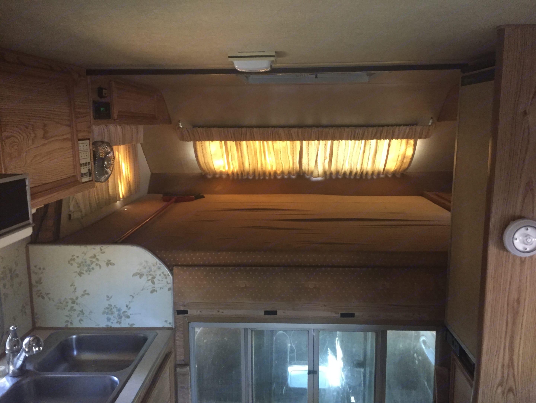 Full Bed. Lance M-300 1993