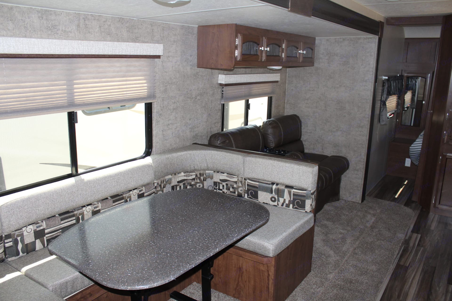 Convertible Dinette. Coachmen Freedom Express 29 Select Edition 2018