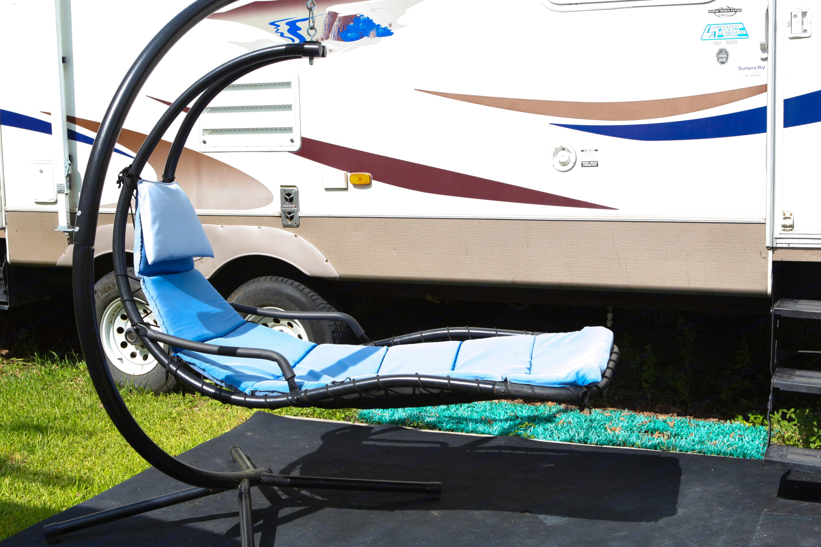 Aside Camper Lounger for those lazy moments. Keystone Sprinter 2007
