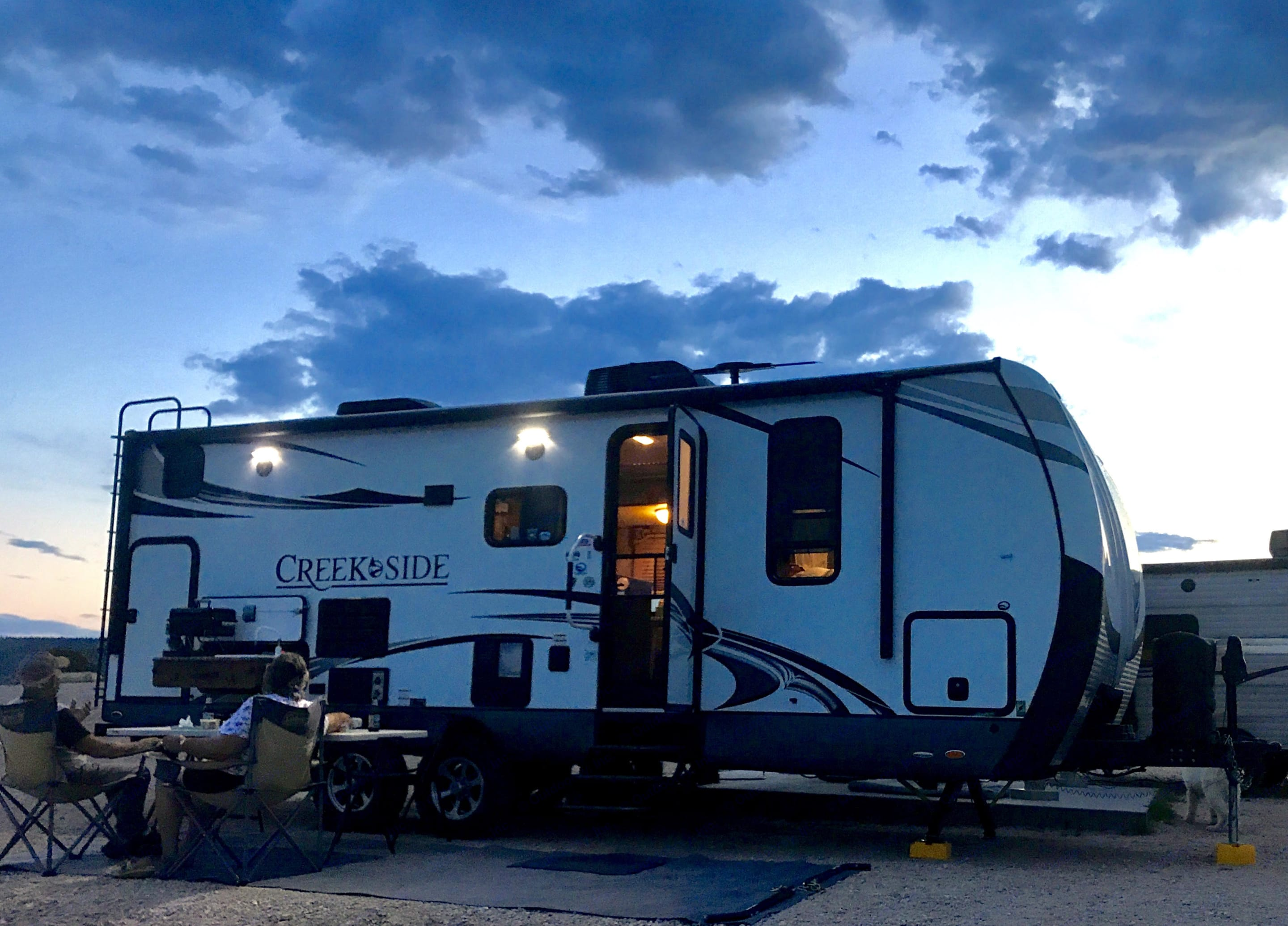 Outdoors Rv Manufacturing Creek Side 2016