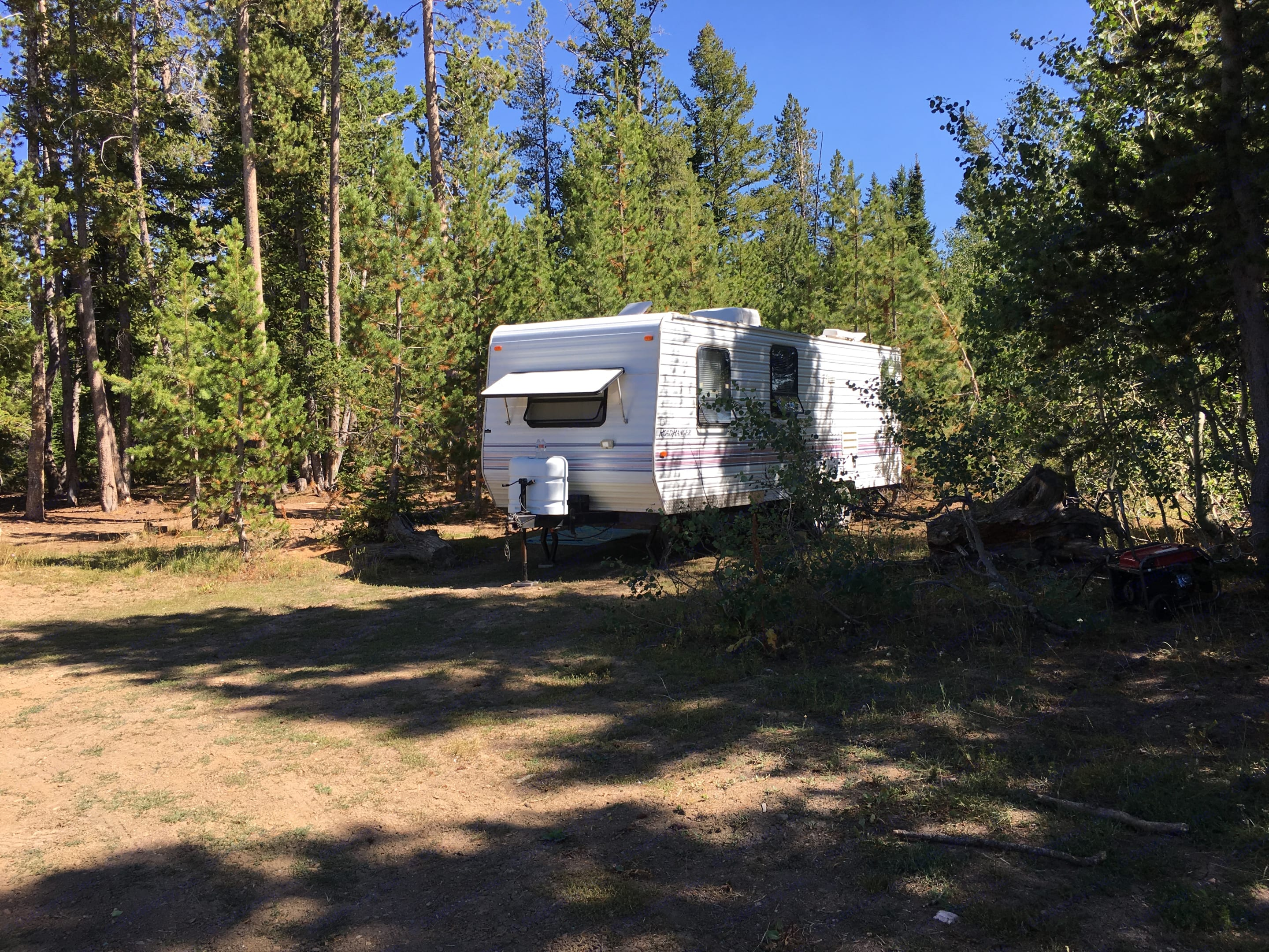 Enjoy some away time and get reacquainted with nature!. Kit Road Ranger 27 1997