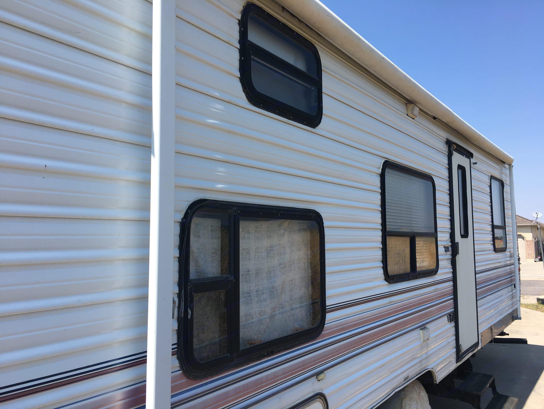 Fully functional awning.. Kit Road Ranger 27 1997