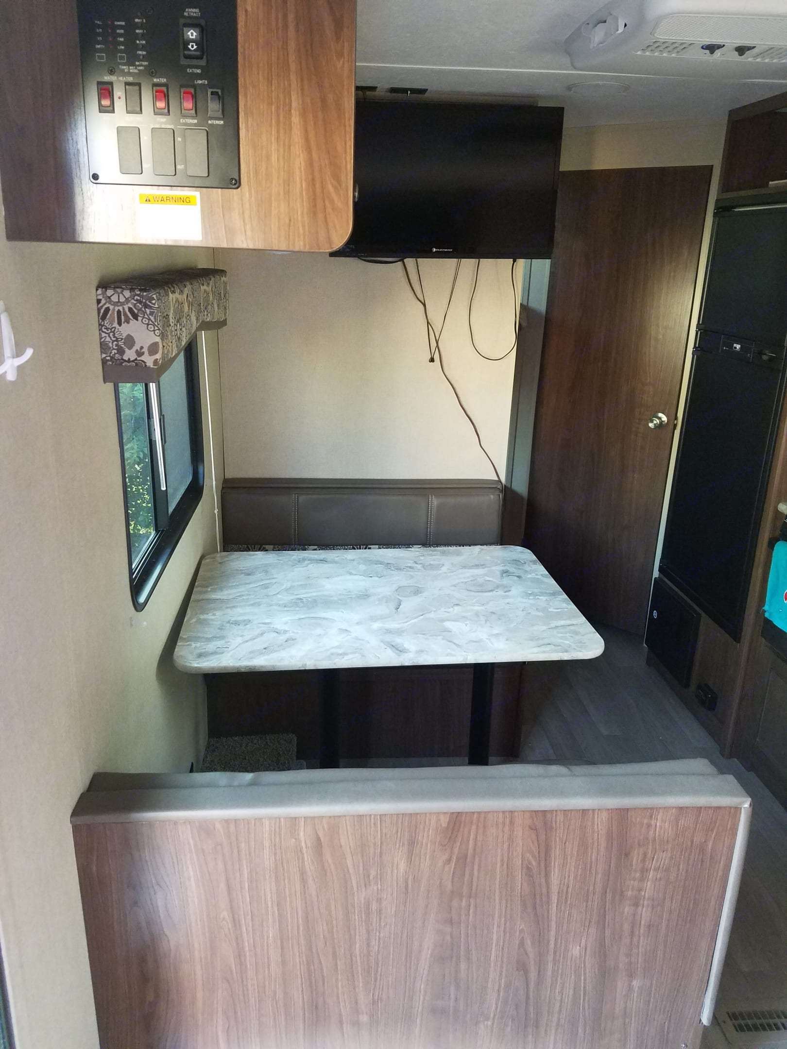 Table for 4 people that also converts to a full size bed.. Coleman Other 2018