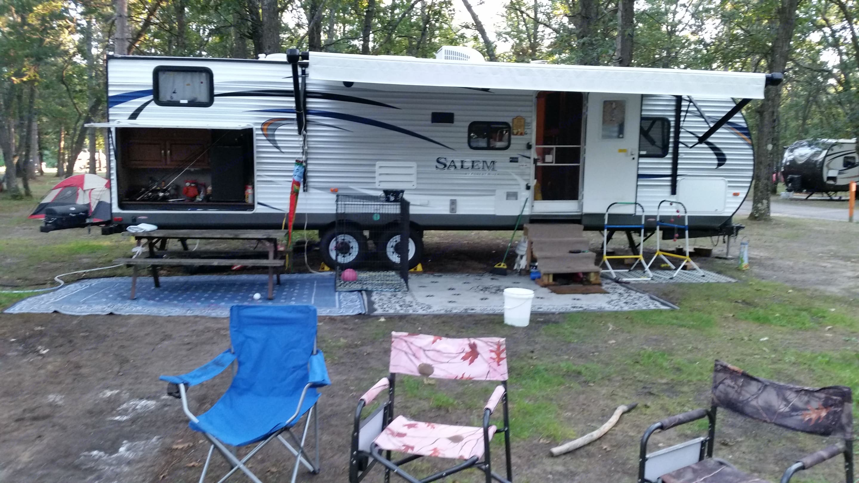 All set up and ready for fun. Forest River Salem 2015