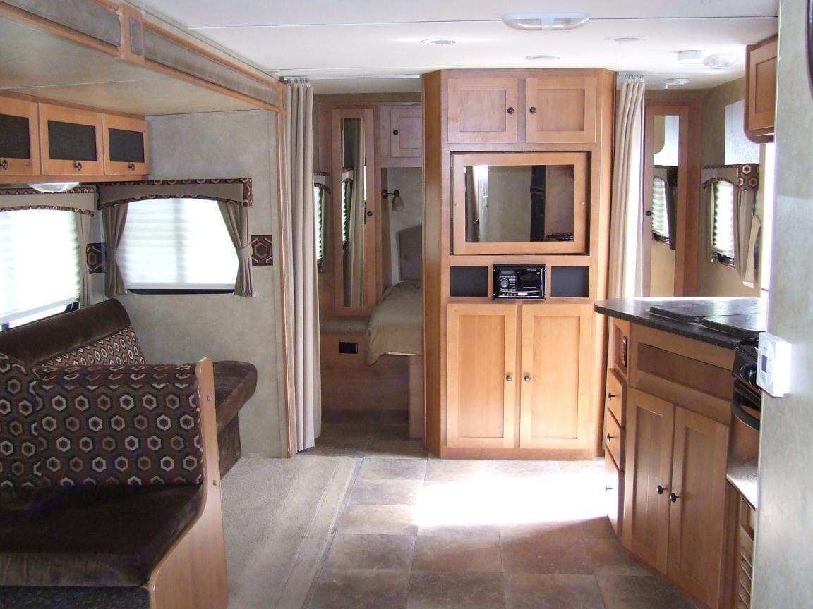 Spacious living area.. Cruiser Rv Corp Shadow Cruiser 2012
