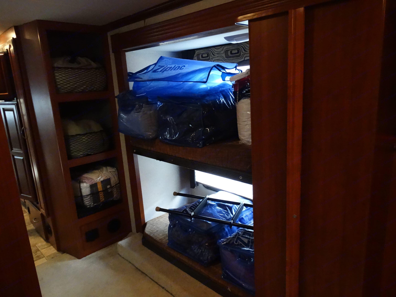 bunk beds and storage. Fleetwood Fiesta 2010