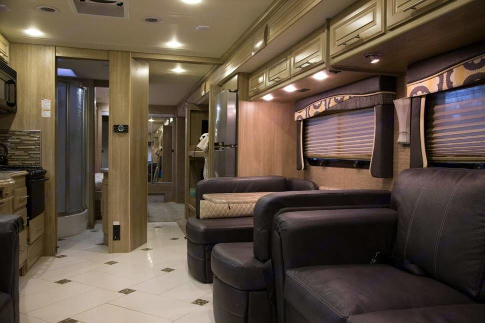 Coachmen Diesel Pusher 385DS 2014